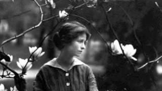 Edna St. Vincent Millay reads Recuerdo