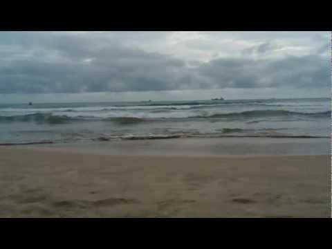 Ombak Pantai Lhok Nga