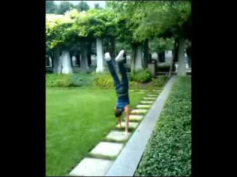 Cincinnati Ohio handstand man
