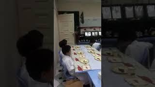 #شاهد المعلم محمد البطيح كيف يتعامل مع طلابه حفلة نجاح طلابي ١٤٣٩ه