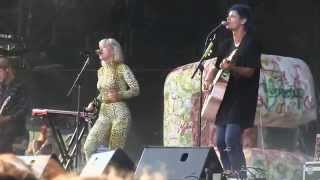 "Grouplove- ""Colours"" (720p) Live at Lollapalooza on August 2, 2014"