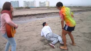 video parodia muerte en hawai