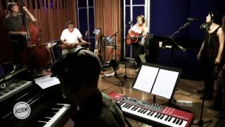 """Shelby Lynne performing """"She Knows"""" Live on KCRW"""