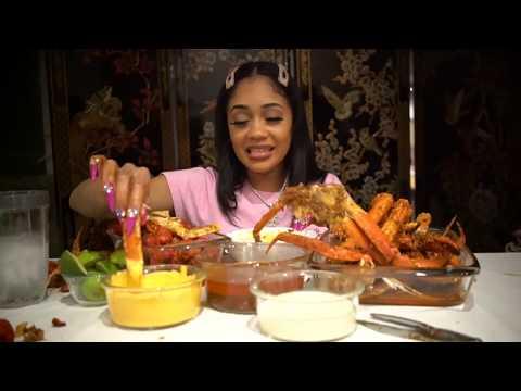 Honey German - Saweetie Tears Into Crab Legs In Mukbang Video