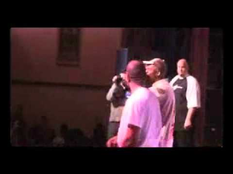 Kanye west - Jesus walks (Rare!!!!!!) (2004, Live) (ft John Legend And Rhymefest)