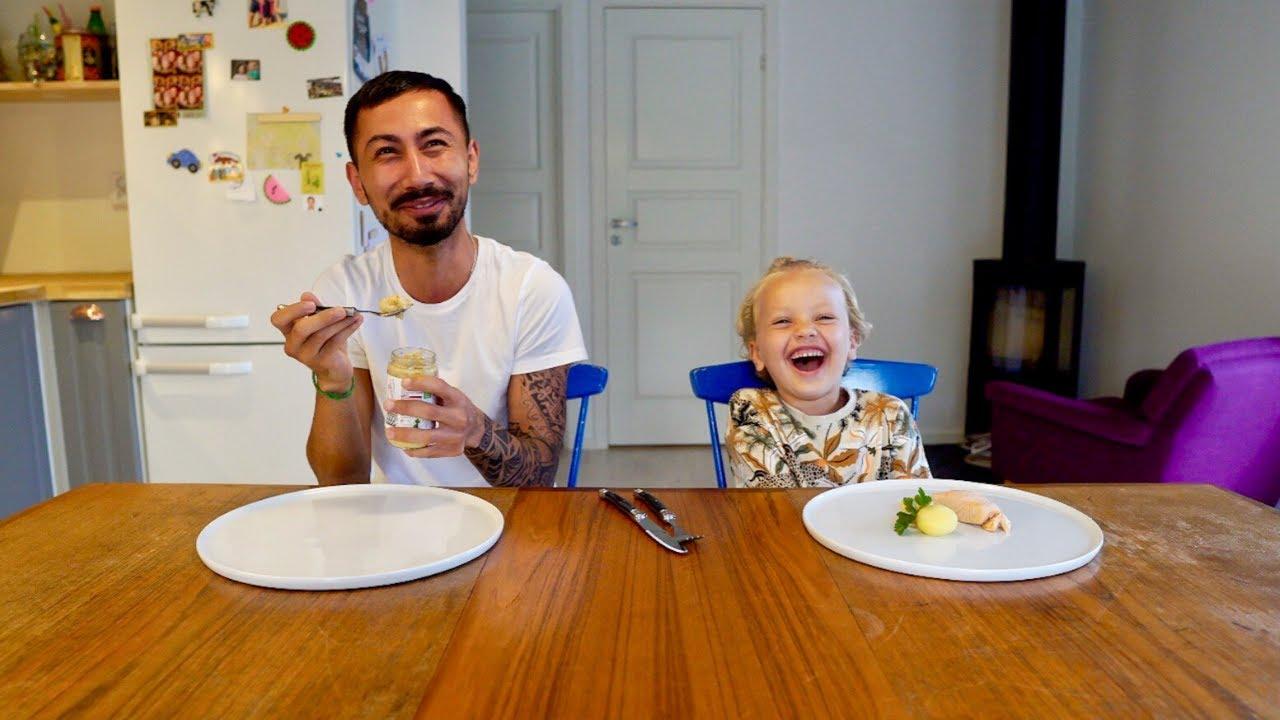 Barnmat vs Mat CHALLENGE - Baby Food vs Real Food