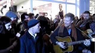 "Simon Community resident Phil sings ""Faith"" with Glen Hansard, Lisa Hannigan & Friends"