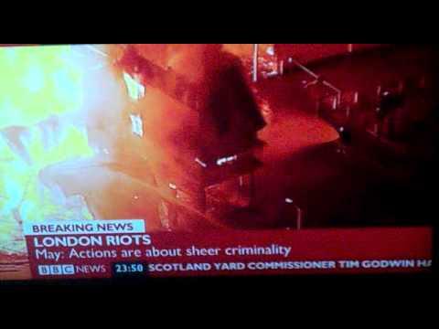 BBC presenter has an Alan Partridge moment covering London riots