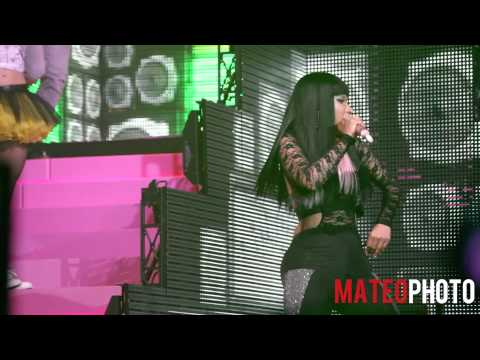 "Drake & Nicki Minaj - ""Make Me Proud"" live at Roseland Ballroom"
