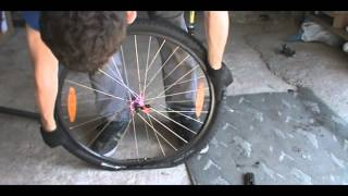 Выпуск №5 Как разбортовать колесо без монтажек(http://vk.com/bike_tv., 2013-08-16T03:37:06.000Z)