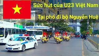 Hộ tống U23 Việt Nam đến tượng đài Bác sau khi đoạt huy chương bạc Châu Á lịch sử