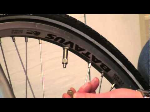 Dutch Bikes How To Pump The Tyres With Woods Valves Youtube