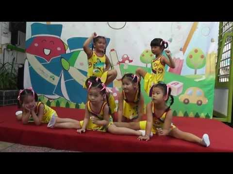 """Tổng kết năm học 2012-2013 - Múa Aerobic """"Búp bê bằng bông"""""""