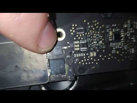 """macbook pro 13"""" 2016 Cleaning and corrosion"""