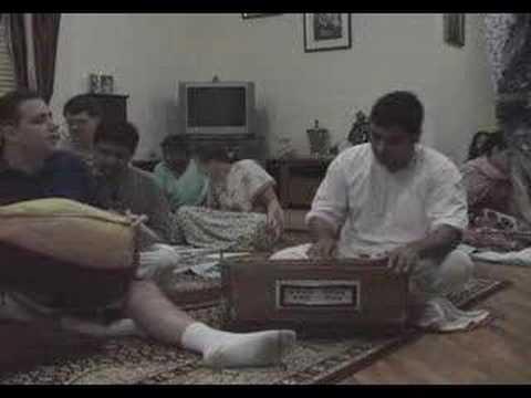 Pre-Janmastami Bhajan - Gaura Arati by Amala Kirtan Prabhu