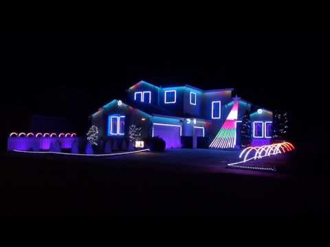 2016 awesome musical Christmas light show (LightShowBro.com)