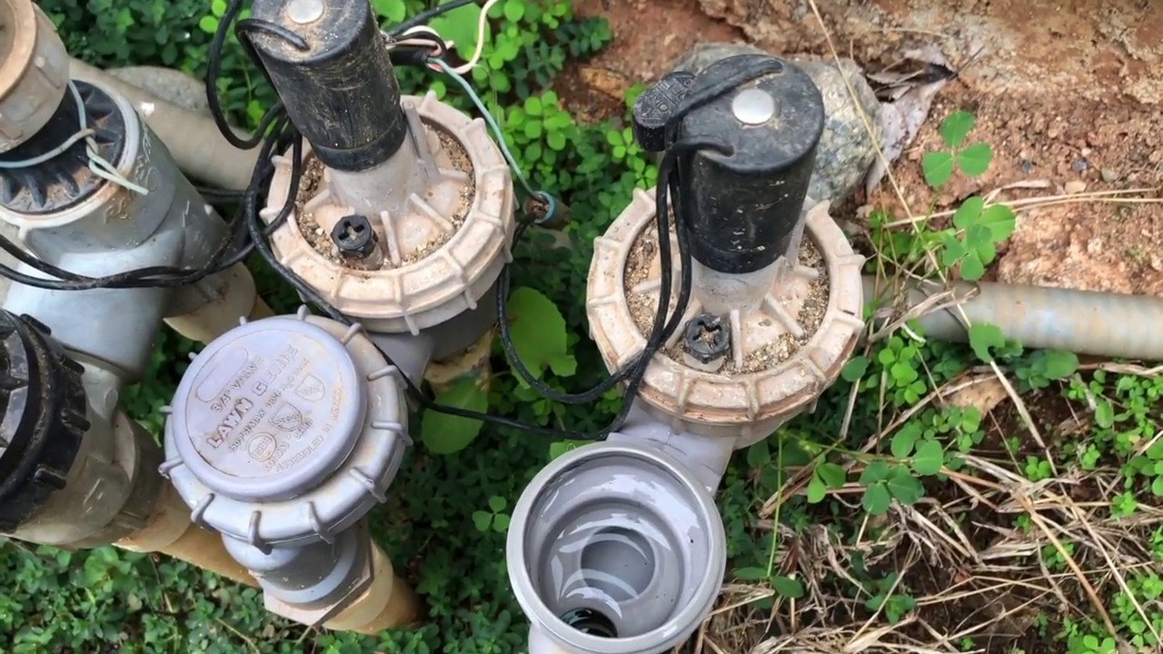 Checking for a Leaky Lawn Genie Valve - YouTube