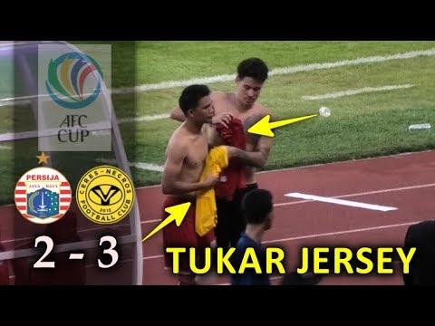 Aksi Tukar Jersey Pemain Persija dengan Ceres Negros AFC Cup 2019