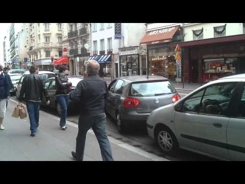 How to park your car in Paris