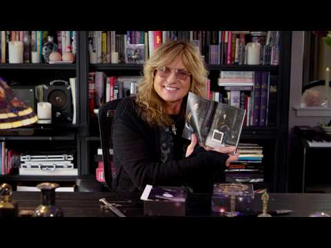 Whitesnake Unzipped Unboxing by David Coverdale