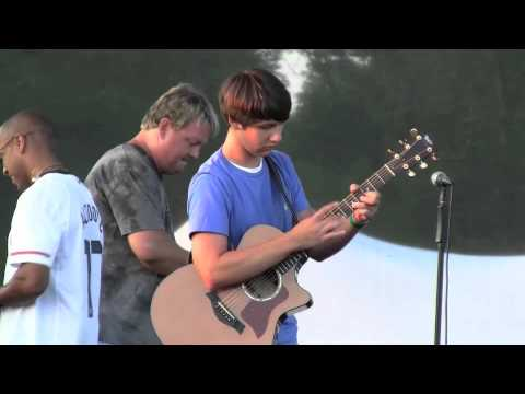 Incredible 15 year old guitar tapping!!! insanely fast BEN LAPPS playing Justin King's tune
