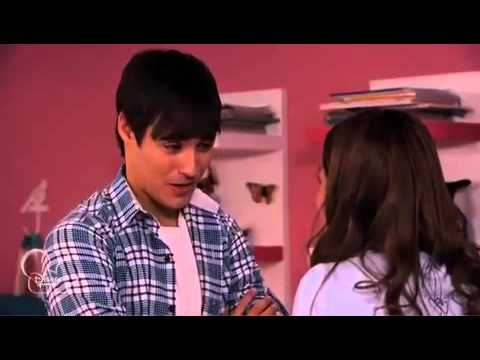 Violetta In English || Tomás and León at Violetta's house