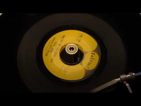 Four Bars Featuring Betty Wilson - Waitin' On The Right Guy - FALEW: 108