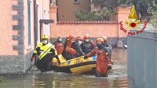 Maltempo a Milano, oltre 100 gli interventi dei vigili fuoco