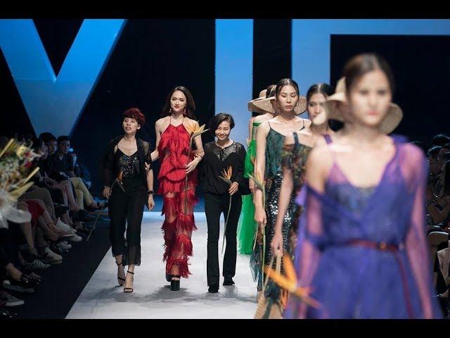 Full - HD | Hoa Hậu Hương Giang làm vedette cho thương hiệu Eva De Eva tại VIFW 2018.