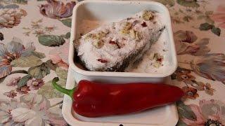 Как вкусно засолить сало дома  с чесноком и перцем(Как засолить сало дома - очень простой рецепт как солить сало в домашних условиях с чесноком., 2014-11-18T20:02:06.000Z)