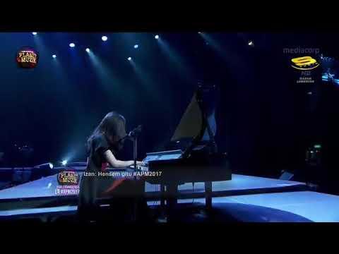 Mimpi & Kau Adalah  Isyana Sarasvati  Anugerah Planet Muzik 2017  APM Singapura