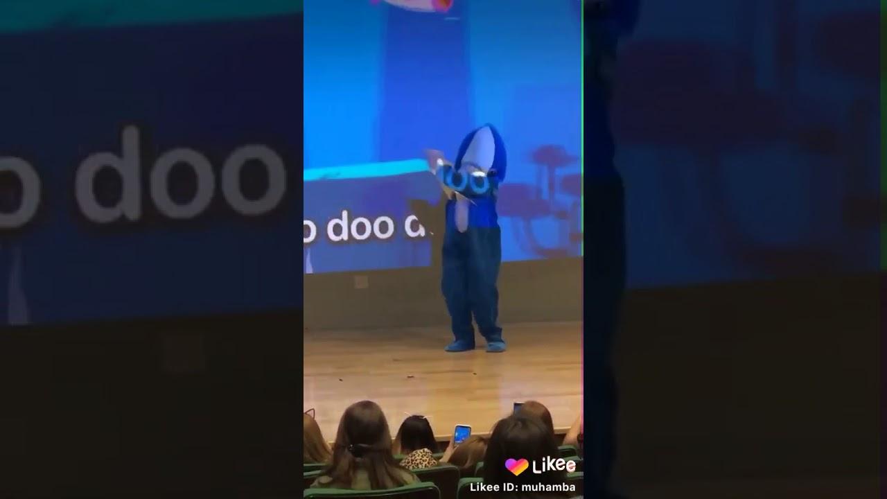 Baby shark doo doo twerk - YouTube
