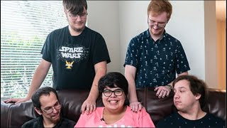 Pregnant Polyamorous Woman In Relationship With 4 Men Explains How She Knows Who The Daddy Is