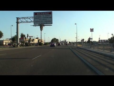 HIDALGO, TEXAS, USA - REYNOSA, MEXICO BORDER CROSSING
