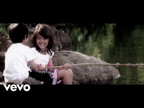 Shraddha Shree, Shivam Ahuja - Purwaiyaa  (Official Music Video)