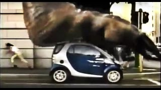 2001 Smart vs Godzilla - Smart con célula de seguridad de ace…