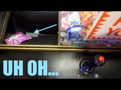 THIS NEVER HAPPENS AT THE CLAW MACHINE...