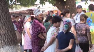 Власти Шымкента не смогли справится со стихийной торговлей в районе Верхнего рынка