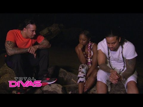 Jimmy and Jey Uso share an emotional moment with Naomi: Total Divas, April 20, 2014