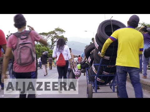 Venezuela crisis: Dire situation forces many to move to Colombia