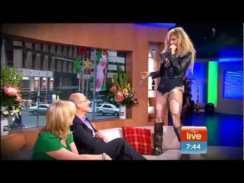 ★TOO RACY?★ Kesha sings LIVE Cannibal 'We R Who We R'