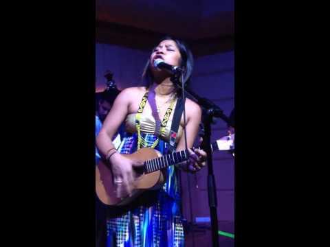 Zee Avi - Kantoi Live (TAB, SG)