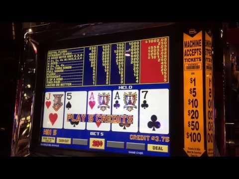 Video Poker Slot machine Max Bet LIVE GAMEPLAY in Downtown Las Vegas