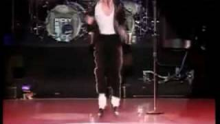 Michael Jackson Billie Jean Live In Bucharest 19923.flv