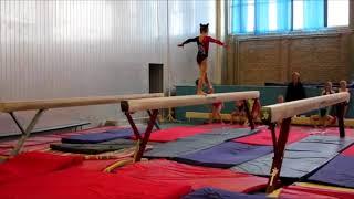 Милана Верзилова 7 лет, первый юношеский разряд по спортивной гимнастике.