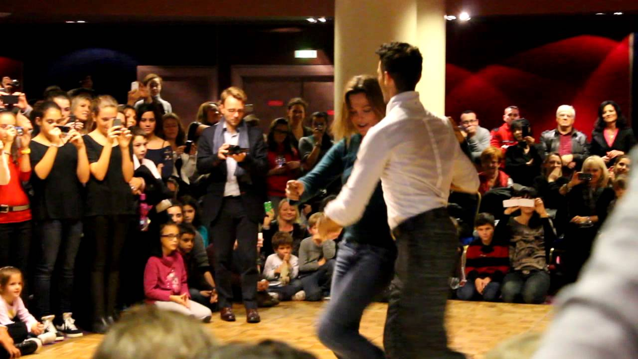D mo danse de salon maxime dereymez et sandrine qu tier for Youtube danse de salon