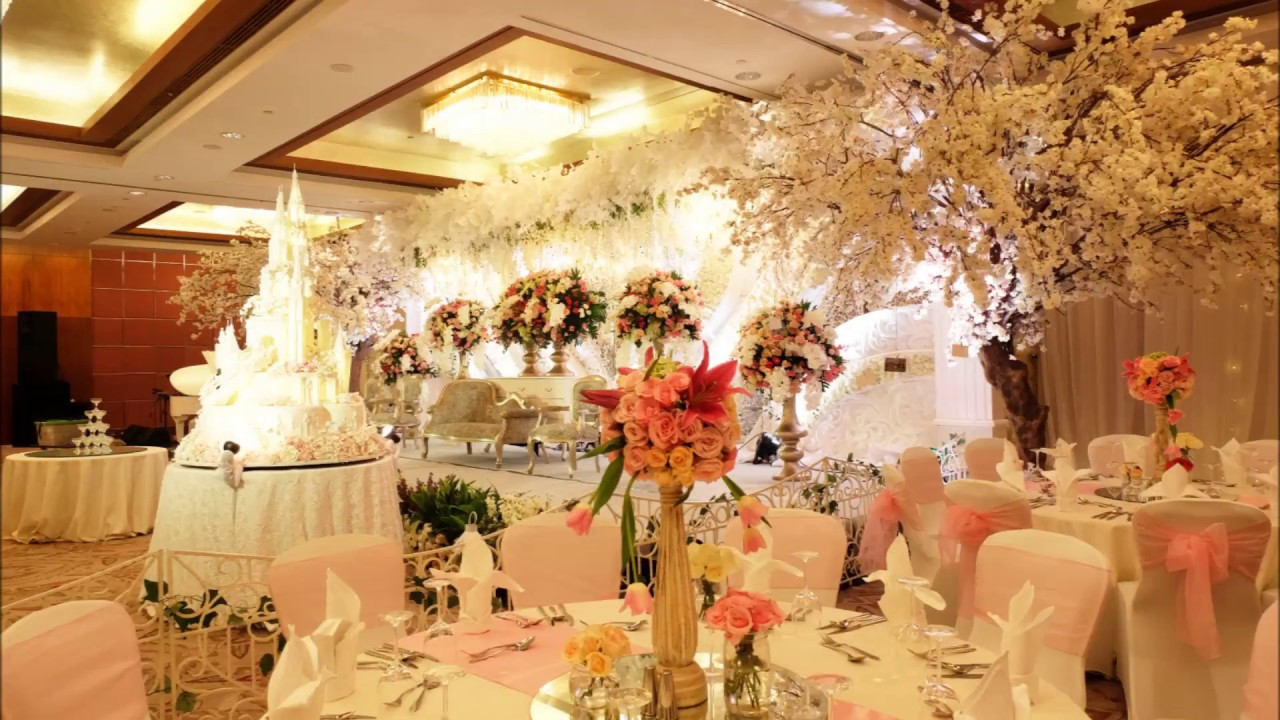 The wedding decoration of rendy jane mandarin oriental jakarta the wedding decoration of rendy jane mandarin oriental jakarta junglespirit Choice Image