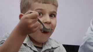 Jedi i pij ali ne pretjeruj - Porodični film za djecu
