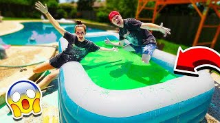 MAKING 10,000 POUNDS OF OOBLECK IN A POOL!