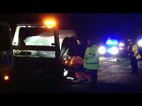 euronews (deutsch): Bilder vom Autounfall mit Prinz Philip (97): Er saß selbst am Steuer